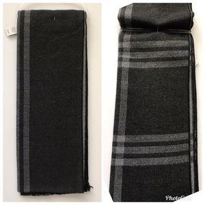 Tahari Plaid Scarf - NWT